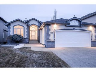Photo 1: 129 SIMCOE Crescent SW in Calgary: Signal Hill House for sale : MLS®# C4106830