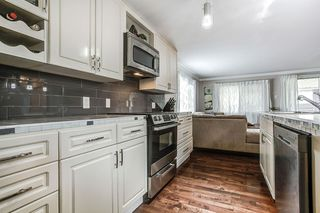 "Photo 4: 297 201 CAYER Street in Coquitlam: Maillardville Manufactured Home for sale in ""WILDWOOD PARK"" : MLS®# R2162916"