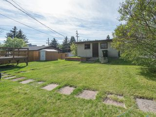Photo 4: 923 36A Street NW in Calgary: Parkdale House for sale : MLS®# C4117421