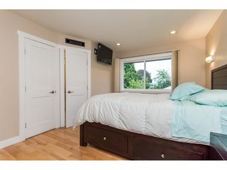 Photo 12: 15860 GOGGS AVENUE in South Surrey White Rock: Home for sale : MLS®# R2087988