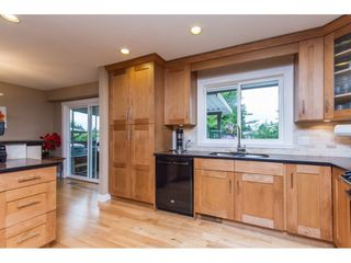 Photo 9: 15860 GOGGS AVENUE in South Surrey White Rock: Home for sale : MLS®# R2087988