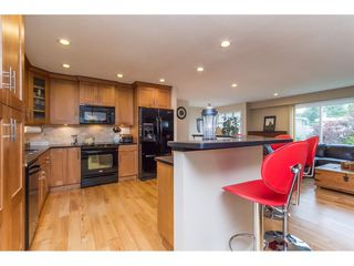 Photo 7: 15860 GOGGS AVENUE in South Surrey White Rock: Home for sale : MLS®# R2087988