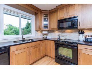 Photo 10: 15860 GOGGS AVENUE in South Surrey White Rock: Home for sale : MLS®# R2087988