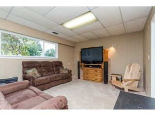 Photo 16: 15860 GOGGS AVENUE in South Surrey White Rock: Home for sale : MLS®# R2087988