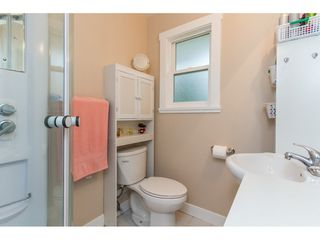 Photo 13: 15860 GOGGS AVENUE in South Surrey White Rock: Home for sale : MLS®# R2087988