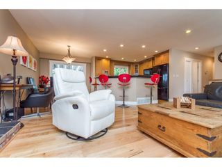 Photo 5: 15860 GOGGS AVENUE in South Surrey White Rock: Home for sale : MLS®# R2087988
