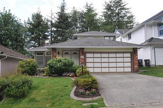 Photo 1: 17 ARROW-WOOD Place in Port Moody: Heritage Mountain House for sale : MLS®# R2177275