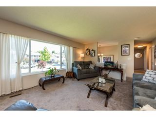 "Photo 4: 9395 CINNAMON Drive in Surrey: Queen Mary Park Surrey House for sale in ""QUEEN MARY PARK"" : MLS®# R2183065"