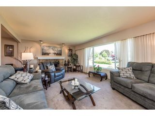 "Photo 3: 9395 CINNAMON Drive in Surrey: Queen Mary Park Surrey House for sale in ""QUEEN MARY PARK"" : MLS®# R2183065"