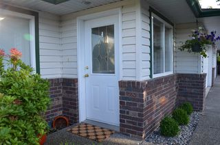 """Photo 1: 66 34250 HAZELWOOD Avenue in Abbotsford: Abbotsford East Townhouse for sale in """"Stillcreek"""" : MLS®# R2190262"""