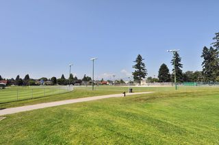 Photo 15: 102 436 SEVENTH Street in New Westminster: Uptown NW Condo for sale : MLS®# R2216650