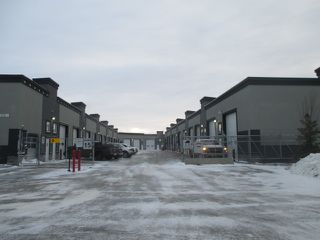 Photo 2: 17 9903 209 Street NW in Edmonton: Industrial for sale : MLS®# E4092612