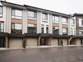Photo 1: 25 16488 64 AVENUE in Surrey: Cloverdale BC Townhouse for sale (Cloverdale)  : MLS®# R2220408