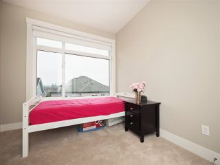 Photo 13: 25 16488 64 AVENUE in Surrey: Cloverdale BC Townhouse for sale (Cloverdale)  : MLS®# R2220408