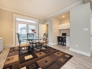 Photo 7: 25 16488 64 AVENUE in Surrey: Cloverdale BC Townhouse for sale (Cloverdale)  : MLS®# R2220408
