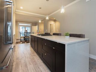 Photo 2: 25 16488 64 AVENUE in Surrey: Cloverdale BC Townhouse for sale (Cloverdale)  : MLS®# R2220408