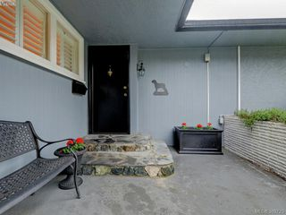 Photo 2: 2526 Kilgary Place in VICTORIA: SE Cadboro Bay Single Family Detached for sale (Saanich East)  : MLS®# 389723