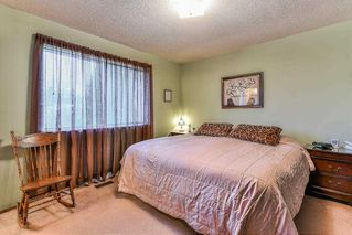 Photo 8: 8643 W TULSY Crescent in Surrey: Queen Mary Park Surrey House for sale : MLS®# R2257341