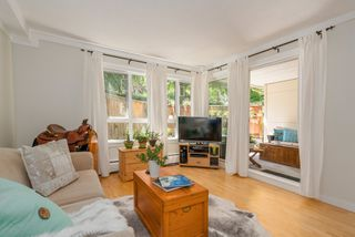 """Photo 7: 211 621 E 6TH Avenue in Vancouver: Mount Pleasant VE Condo for sale in """"Fairmont Place"""" (Vancouver East)  : MLS®# R2289623"""
