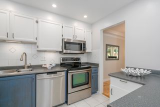 """Photo 13: 211 621 E 6TH Avenue in Vancouver: Mount Pleasant VE Condo for sale in """"Fairmont Place"""" (Vancouver East)  : MLS®# R2289623"""