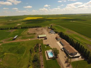 Photo 3: 322071A Range Road 244 Road: Rural Kneehill County Detached for sale : MLS®# C4215165