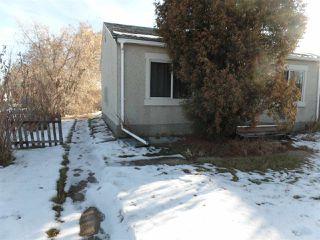 Photo 3: 9949 162 Street in Edmonton: Zone 22 House for sale : MLS®# E4136031