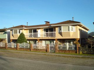 Photo 1: 242 244 WARWICK Avenue in Burnaby: Capitol Hill BN House Duplex for sale (Burnaby North)  : MLS®# R2330048