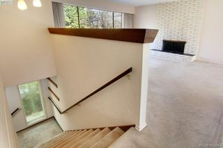Photo 2: 1519 Winchester Road in VICTORIA: SE Mt Doug Single Family Detached for sale (Saanich East)  : MLS®# 405984