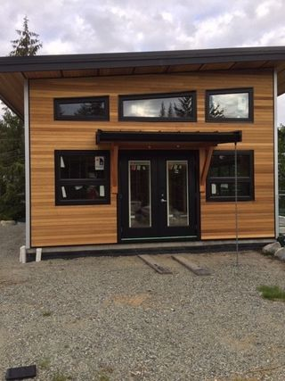 Photo 1: 167 PIKE Road in Gibsons: Gibsons & Area House for sale (Sunshine Coast)  : MLS®# R2380143