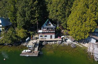 Main Photo: A SEAL BAY in Pitt Meadows: North Meadows PI House for sale : MLS®# R2383657