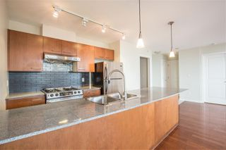 """Photo 5: 1102 4333 CENTRAL Boulevard in Burnaby: Metrotown Condo for sale in """"PRESEDIA"""" (Burnaby South)  : MLS®# R2388562"""