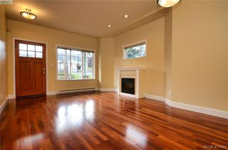 Photo 2: 12 1182 Colville Road in VICTORIA: Es Gorge Vale Row/Townhouse for sale (Esquimalt)  : MLS®# 417483
