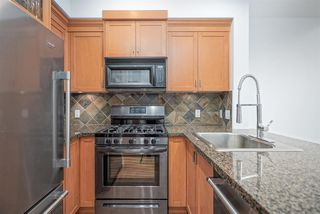 "Photo 11: 111 10 RENAISSANCE Square in New Westminster: Quay Condo for sale in ""MURANO LOFTS"" : MLS®# R2431581"
