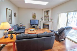 Photo 9: 1 4341 Crownwood Lane in VICTORIA: SE Broadmead Row/Townhouse for sale (Saanich East)  : MLS®# 833554