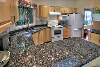 Photo 10: 1 4341 Crownwood Lane in VICTORIA: SE Broadmead Row/Townhouse for sale (Saanich East)  : MLS®# 833554