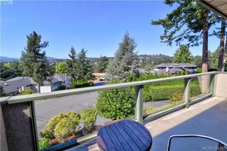 Photo 5: 1 4341 Crownwood Lane in VICTORIA: SE Broadmead Row/Townhouse for sale (Saanich East)  : MLS®# 833554