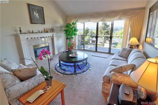 Photo 3: 1 4341 Crownwood Lane in VICTORIA: SE Broadmead Row/Townhouse for sale (Saanich East)  : MLS®# 833554