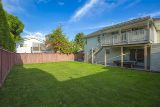 Photo 5: 19487 60 Avenue in Surrey: Cloverdale BC House for sale (Cloverdale)  : MLS®# R2456146