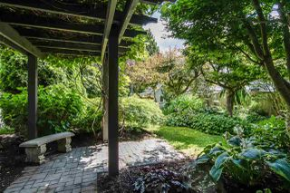 """Photo 39: 7983 227 Crescent in Langley: Fort Langley House for sale in """"Forest Knolls"""" : MLS®# R2475346"""