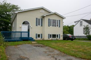 Photo 2: 172 Old Sambro Road in Halifax: 7-Spryfield Multi-Family for sale (Halifax-Dartmouth)  : MLS®# 202015684