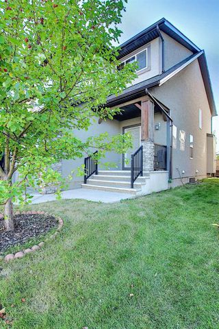 Main Photo: 512 EVERBROOK Way SW in Calgary: Evergreen Detached for sale : MLS®# A1032146