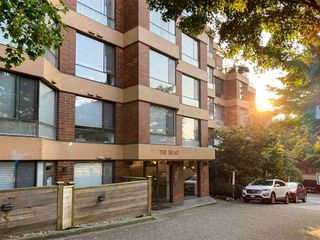 Main Photo: 101 2140 BRIAR Avenue in Vancouver: Quilchena Condo for sale (Vancouver West)  : MLS®# R2506386