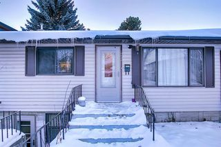 Photo 3: 10632 127 Street NW: Edmonton Detached for sale : MLS®# A1048989