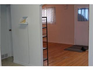 Photo 2: 1813 B Avenue North in Saskatoon: Mayfair Single Family Dwelling for sale (Saskatoon Area 04)  : MLS®# 394984