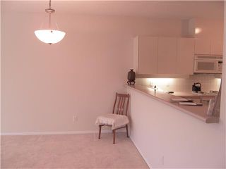 Photo 4: 102 1871 MARINE Drive in West Vancouver: Ambleside Condo for sale : MLS®# V886541