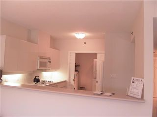 Photo 3: 102 1871 MARINE Drive in West Vancouver: Ambleside Condo for sale : MLS®# V886541