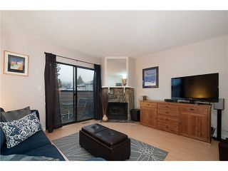 Photo 3: 216 BALMORAL PL in Port Moody: North Shore Pt Moody Townhouse for sale : MLS®# V1041716