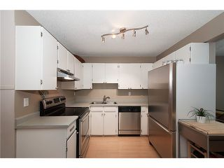 Photo 4: 216 BALMORAL PL in Port Moody: North Shore Pt Moody Townhouse for sale : MLS®# V1041716