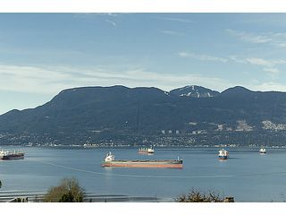 Photo 2: 4677 DRUMMOND Drive in Vancouver: Point Grey House for sale (Vancouver West)  : MLS®# V1046499