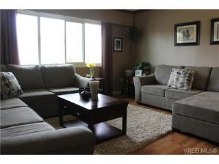 Photo 13: 2177 BRADFORD Ave in SIDNEY: Si Sidney North-East Single Family Detached for sale (Sidney)  : MLS®# 695137